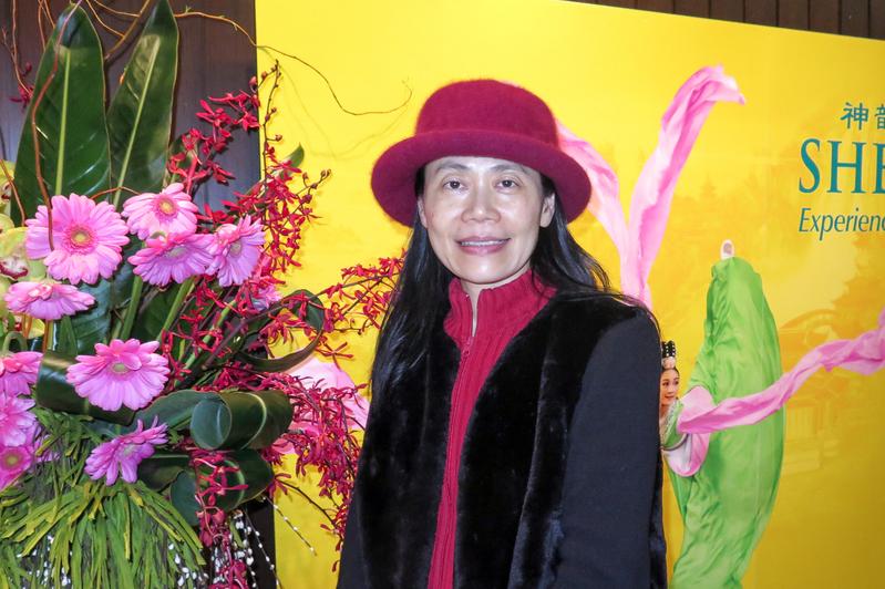 从事素食健康咨询工作的Jasper Chen表示神韵演出令她对中华传统文华更加向往与思考。(廖青/大纪元)