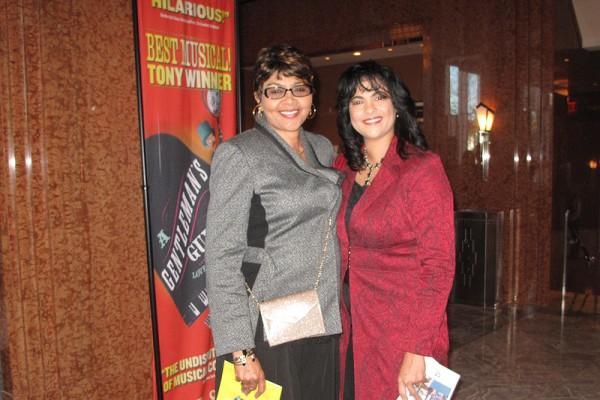 Alicia Canen和母亲专程从路易斯安那州赴拉斯维加斯观赏了1月24日的神韵演出。(刘菲/大纪元)