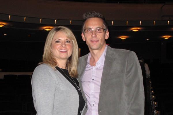 房地产经纪人 Anne Vaughan-Biry和先生Stephen观赏了2016年1月24日神韵纽约艺术团在拉斯维加斯的最后一场演出。(刘菲/大纪元)