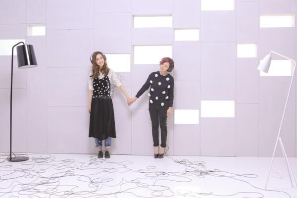 范范(左)新歌《最好的安排》,邀梁静茹感动对唱。(福茂唱片提供)