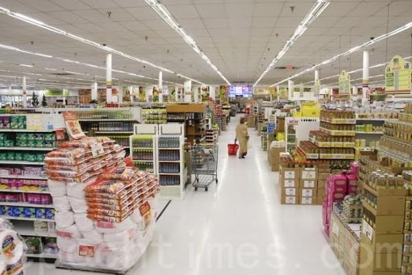 安薩爾超市出售的油類品種也極其豐富, 除了一些常見品牌的玉米油、蔬菜油、菜籽油和橄欖油外,還有多款地中海風味的牛油果油(Avocado oil)、葡萄籽油和葵花籽油等。(大紀元)