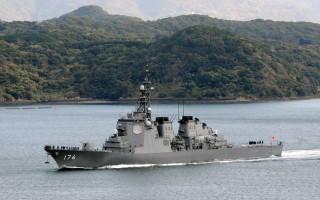 日本內閣官房長官菅義偉在於2016年1月29日上午記者會上證實,日本的自衛隊已接獲提升軍事警戒命令,隨時準備攔截可能來自北韓的彈道導彈的消息。本圖為日本海上自衛隊的神盾驅逐艦。(JIJI PRESS/AFP/Getty Images)