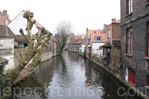 """比利时布鲁日素有""""小威尼斯""""之称。(章乐/大纪元)"""