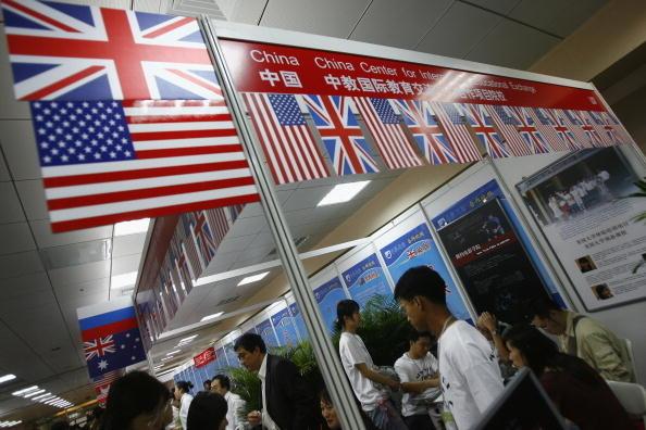 中國學生留學青睞美英澳 最愛去哪些大學