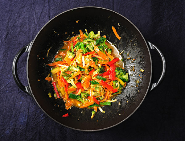 五颜六色的蔬菜中含有丰富的维生素和植物营养素。(Fotolia)