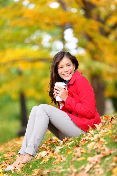 到公园散步, 走过一棵,如果能够细心注意,将树的颜色、形状和气味存储在脑中,就会发现在城市中居住要有多大的勇气。(fotolia)
