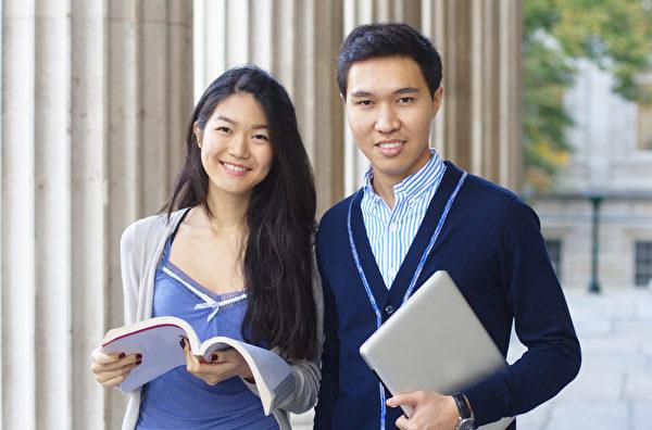 目前在英国的中国留学生有近90,000名,占英国海外学生的20%。在一些情况下,中国留学生每年的学费是30,000英镑。(fotolia)
