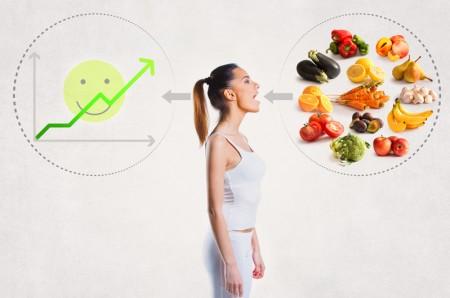 長期偏重吃酸性食物(如蛋白質)會造成體內酸度過高,蔬果大多屬於鹼性,有利於平衡體內的酸鹼度。(Fotolia)