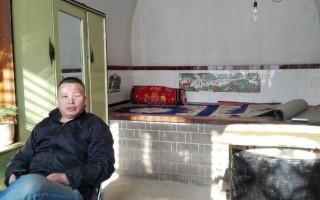 近日,陕西榆林市榆阳区警察以流氓方式对在榆林城暂住的著名维权律师高智晟及其家人进行了几十小时不间断的骚扰。 (大纪元资料室)
