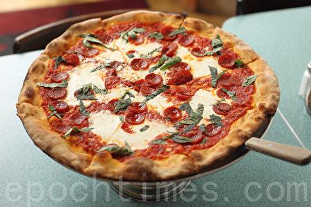 精美的披薩就像一件珍貴的藝術品。(張學慧/大紀元)