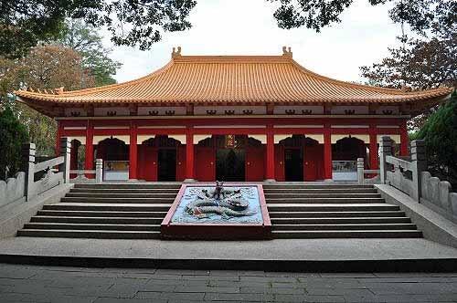 孔庙,有三百历史,几经兵燹天灾而改建,现况为民国53年(1964)重建。 (图片提供:tony)