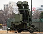 2016年1月30日日本自衛隊在東京的日本防衛省大院設置地對空攔截導彈「愛國者-3」,應對北朝鮮發射導彈。(GettyImages)
