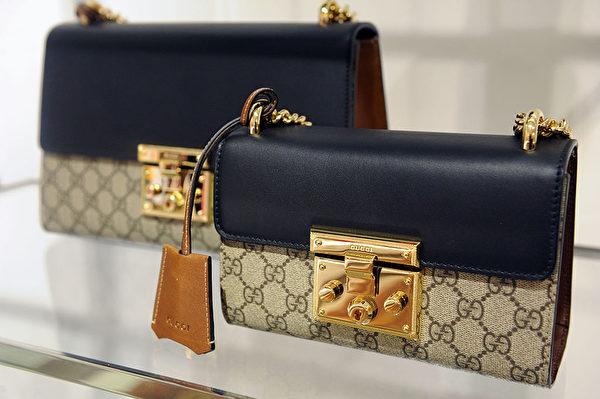撞色搭配的包包盡顯優雅。(Craig Barritt/Getty Images for Bergdorf Goodman)