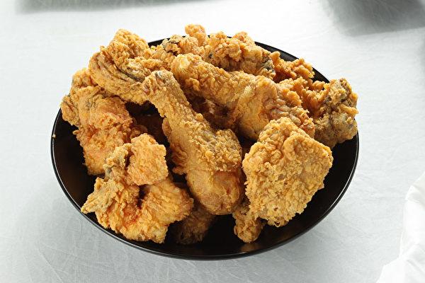 酥脆无麸质炸鸡。(大纪元图片)