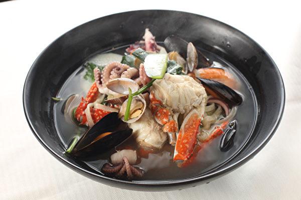海鲜汤面。(大纪元图片)