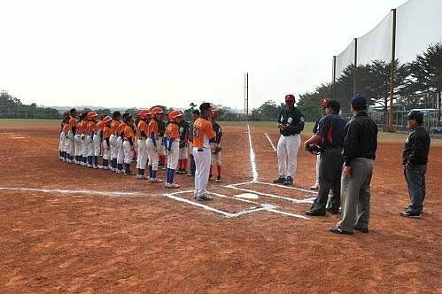 内湖社区在诸罗山杯的第二场比赛,力战台南市公园国小少棒队。(图片提供:tony)