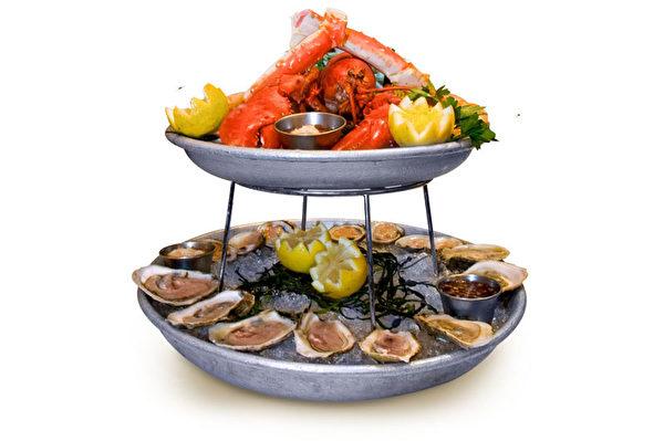 食客海鮮塔。(大紀元圖片)