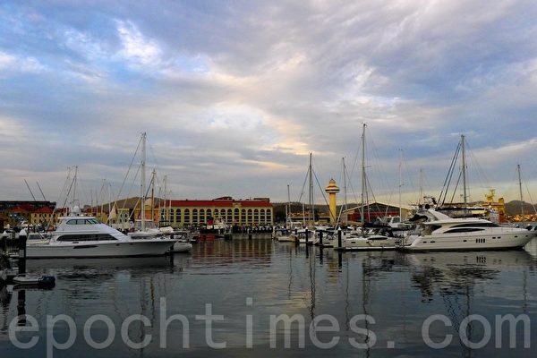 宪法码头(Constitution Dock)是霍巴特市历史悠久的船坞。(华苜/大纪元)
