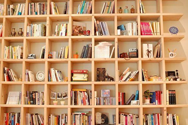 书柜和书可隔音。(pixabay)