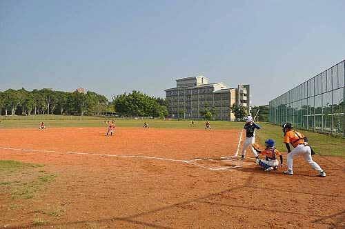 青少棒 v.s. 少棒 友谊赛 (图片提供:tony)
