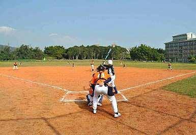 青少棒 v.s. 少棒 友谊赛。 (图片提供:tony)