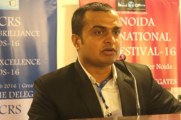 印度最大電影節之一的印度諾伊達國際電影節影展總監Rambhul_Singh認為:「《小乾坤》將道德教誨的意涵適切的傳達給兒童」。(新唐人亞太電視臺)