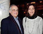 前公司副总裁Ralph Camery和太太JoAnn于2016年2月14日下午观赏了美国神韵巡回艺术团在康州沃特伯里派雷斯剧院(Palace Theater)的第三场演出,表示看完演出后心情非常愉快。(卫泳/大纪元)