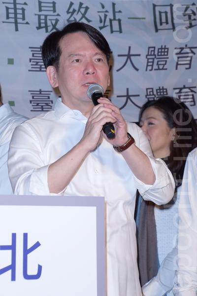民歌40巡演列车最终站回到校园于2016年2月17日在台北举行记者会。图为李建复。(黄宗茂/大纪元)