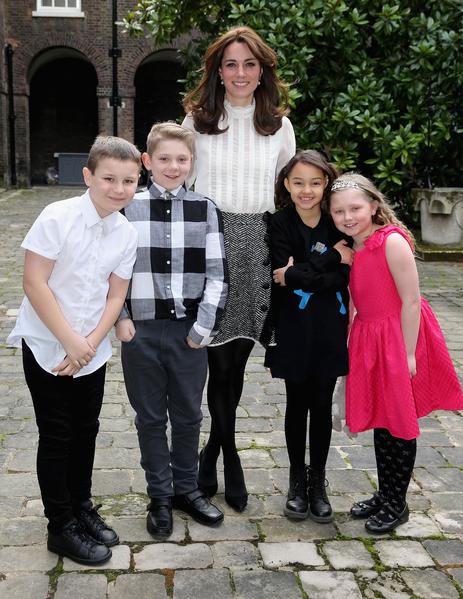 2月17日,英国剑桥公爵夫人、凯特王妃(Duchess Kate of Cambridge)担任《赫芬顿邮报》英国版的一日客座编辑,主题是关注儿童心理健康,临时编辑部设在肯辛顿宫。(Chris Jackson/Getty Images)