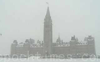 2月16日,加首都渥太華罕見雪暴。(任僑生/大紀元)