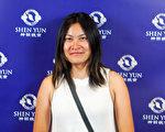 會計師Homay Zheng觀賞完神韻世界藝術團在澳大利亞墨爾本藝術中心的第五場演出後,認為中國人應以自己的神傳文化為榮。(史帝文/大紀元)