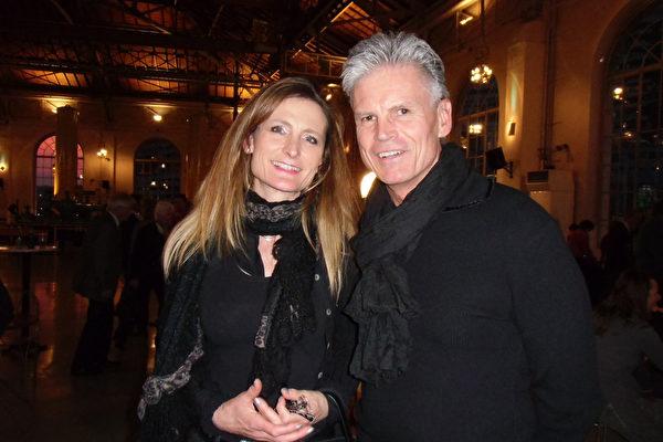 建筑师Hanaes Brancher和太太Corinne Brancher观看了2016年2月28日神韵在日内瓦的第四场演出。(张妮/大纪元)