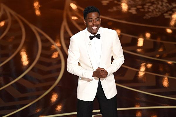 第88届奥斯卡颁奖礼主持人克里斯?洛克。(Kevin Winter/Getty Images)
