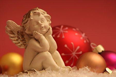 Etre aux anges.在天使之中 –欣喜若狂,非常开心、幸福。(Fotolia)