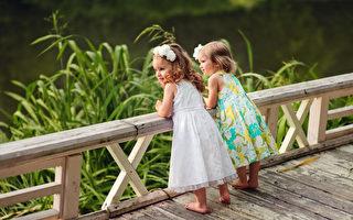 两个可爱的小人活着,不也是需要朋友吗? (Fotolia)