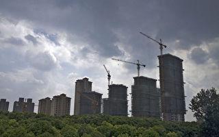 大陸房地產市場近兩天又曝出三則調控消息,令市場嘩然。圖為興建中的樓市。(大紀元資料室)