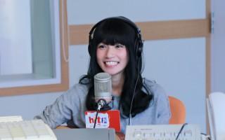 李千娜接受Hit Fm《午茶DJ》SoWhat(李绍华)专访。(Hit Fm提供)