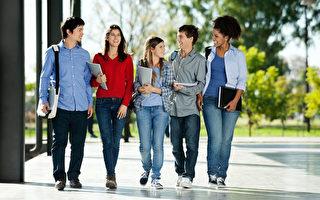 美国大学及研究所每年吸引了来自全球各地的顶尖学生,许多学生在毕业后想要留在美国创业,实现他们的美国梦,但他们的梦想面临一个很大的障碍,即美国签证制度。(fotolia)