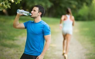 夏天是身體最缺乏防護的季節,飲食起居都要注意保健。
