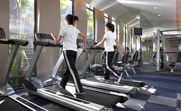 健身房開放時段免費提供入住旅客使用。(蘭城晶英提供)