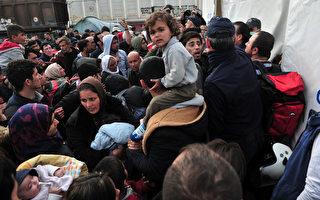 联合国难民署表示,今年前2个月抵达希腊的难民人数超过13万人,几乎是去年前6个月的总和。(SAKIS MITROLIDIS/AFP)