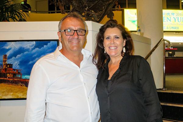 3月4日晚,在澳大利亚黄金海岸艺术中心(Arts Theatre),从事当地电台和电视台销售的Alison-Geale观看了神韵世界艺术团的首场演出。(新唐人提供)