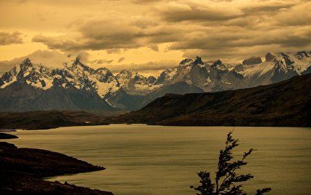 智利百内国家公园面积2,422平方公里。(MARTIN BERNETTI/AFP)