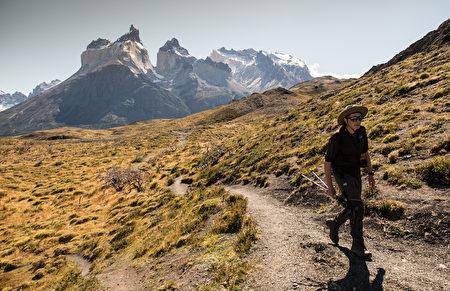 智利巴塔哥尼亚高原百内国家公园健行路线。(MARTIN BERNETTI/AFP)