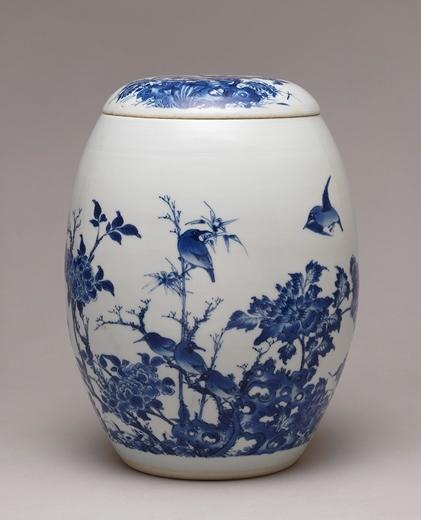 晚明青花花鸟图莲子盖罐。(Courtesy of Berwald Oriental Art)