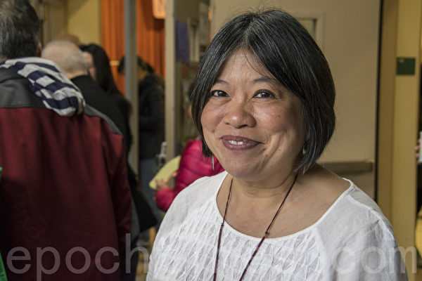 舊金山學區委員李麗嫦提出以講座方式,向華人家長介紹學區的各項服務及政策。(曹景哲/大紀元)