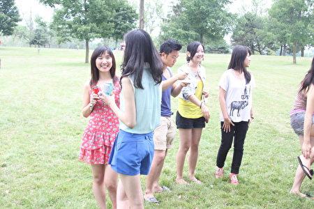 加拿大生活自由,学习环境优良,竞争也不那么激烈,是中国留学生的佳选。(周月谛/大纪元)