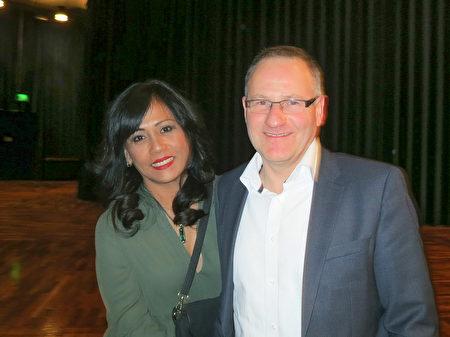 日报社经理Michael Raubach观看了3月12日在法兰克福的神韵演出。(余平/大纪元)