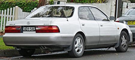1994–1996 Lexus ES 300(維基百科公有領域)