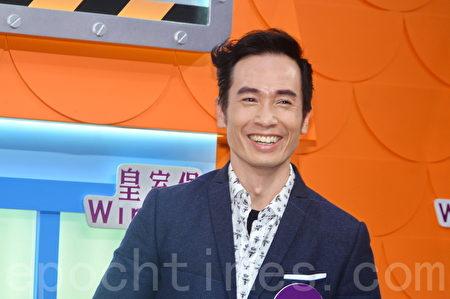 陳豪談到太太陳茵媺的預產期於5月中,他說:「無論仔女都會錫,三個夠晒數啦。」(宋祥龍/大紀元)